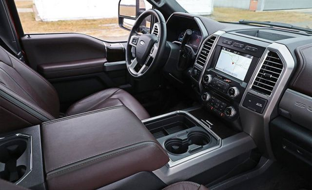 2020 Ford F-250 cabin