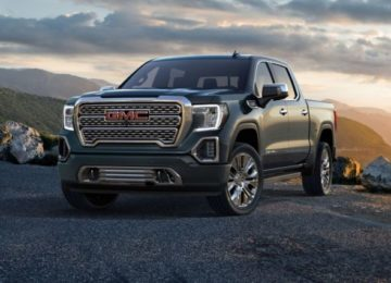 2020 GMC Canyon front