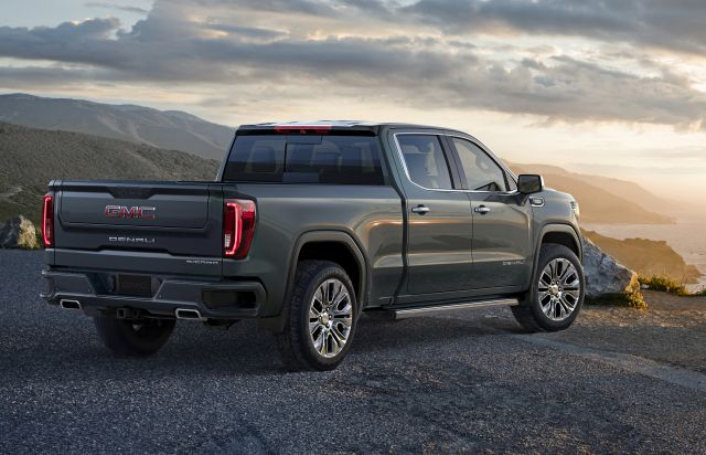2020 GMC Canyon rear