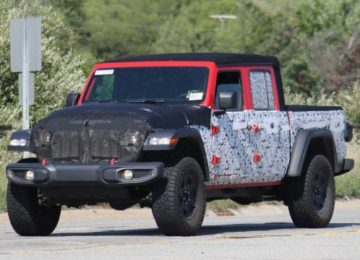 2021 Jeep Gladiator front