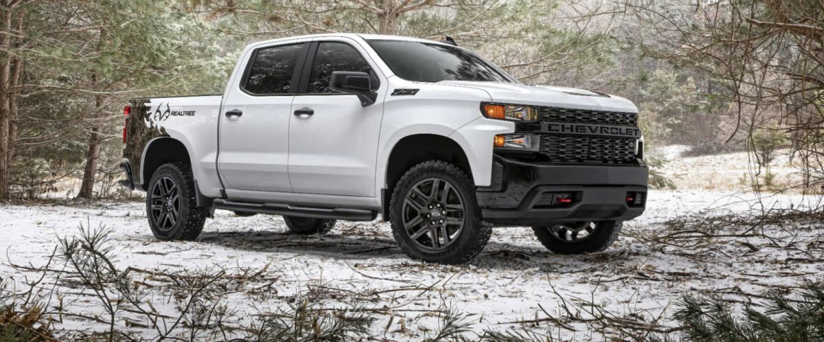 2021 Chevy Silverado Realtree Edition front