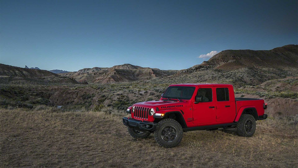 2021 Jeep Gladiator Diesel front