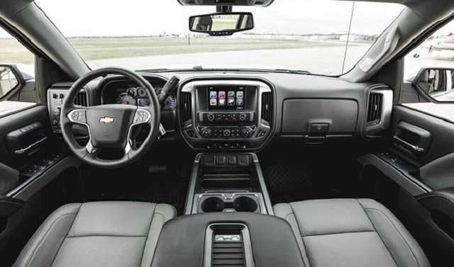 2022 Chevy Avalanche cabin