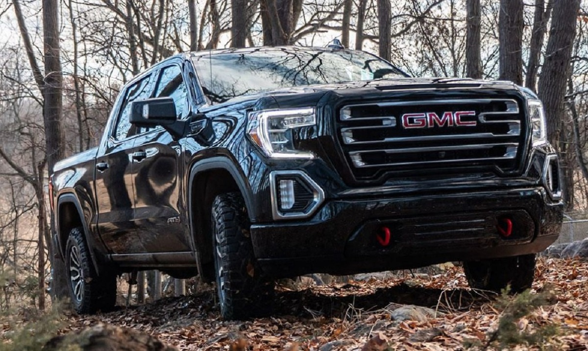 2021 GMC Sierra 1500 AT4 front
