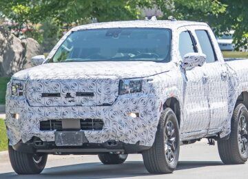2022 Nissan Frontier Extended Cab front