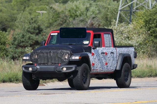 2022 Jeep Gladiator front