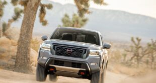 2022 Nissan Frontier Pro-X front