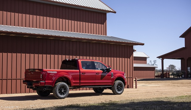 2023 Ford Super Duty side